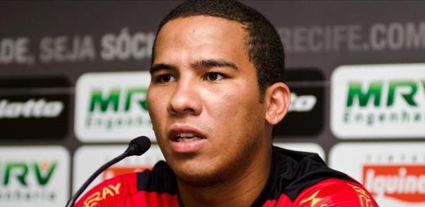 Jael tem passagens por Flamengo, Sport, Criciúma, Joinville e estava no Fortaleza