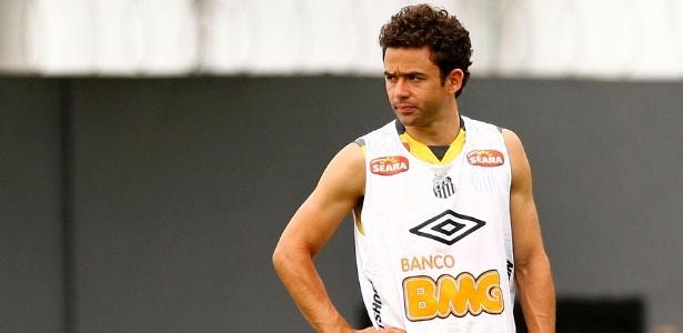 Lateral Juan no seu primeiro treino pelo Santos (11/02/2012)
