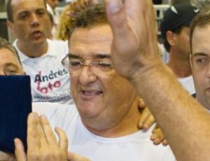Mário Gobbi logo após a eleição deste sábado; delegado foi eleito o novo presidente do Corinthians