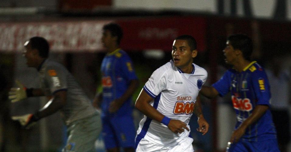 O atacante Wellington Paulista, do Cruzeiro