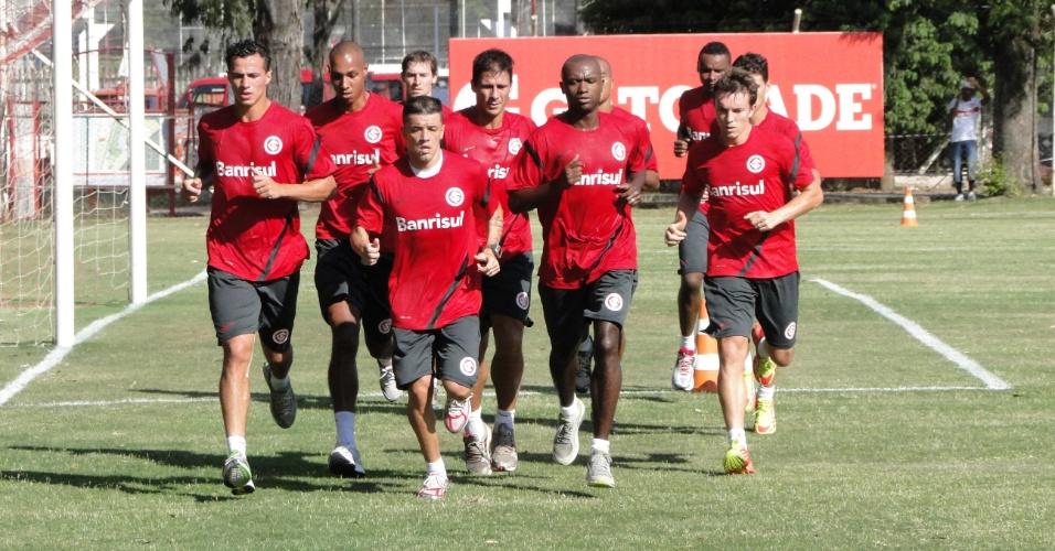 Jogadores do grupo principal do Inter trabalharam fisicamente nesta sexta-feira de tarde (17/02/2012)