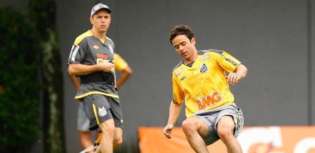 Juan realizou treino no CT Rei Pelé antes de ser apresentado oficialmente para a torcida