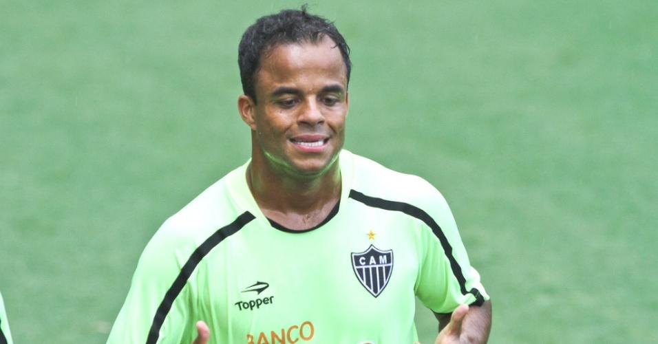 Mancini durante treino do Atlético-MG na Cidade do Galo (7/2/2012)