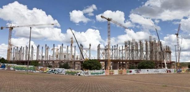 Obras do Estádio Nacional Mané Garrincha, em Brasília, em janeiro de 2012