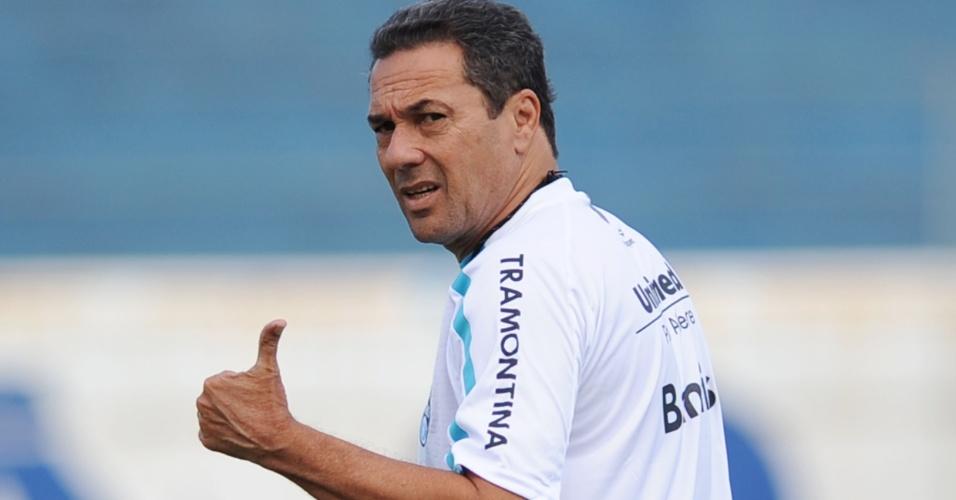 Vanderlei Luxemburgo estreia pelo Grêmio neste sábado, contra o Caxias