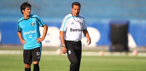 Facundo Bertoglio e Vanderlei Luxemburgo em treinamento do Grêmio (02/03/2012)