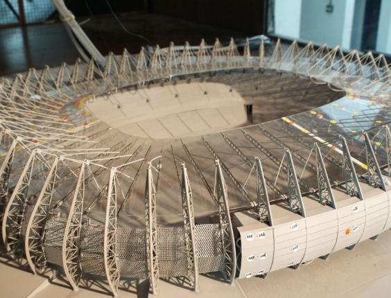 Maquete do Castelão é submetida a testes técnicos no IPT (Instituto de Pesquisas Tecnológicas), em março de 2012