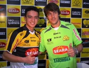 O meia Sérgio Dezan e o goleiro Michel Alves foram apresentados como jogadores do Criciúma