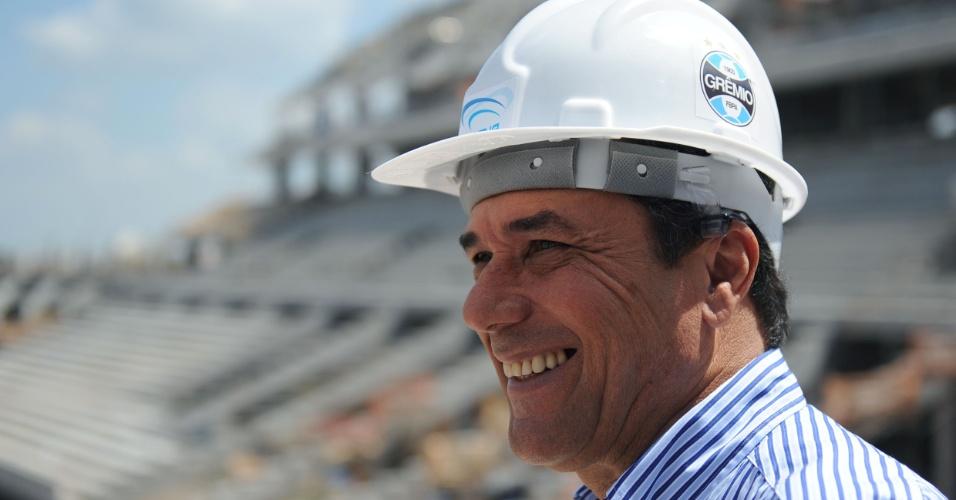 Vanderlei Luxemburgo visita obras da Arena do Grêmio (09/03/2012)