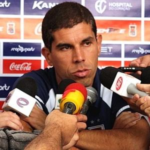 Técnico Ricardinho, do Paraná, fala após vitória sobre o Luverdense (14/03/2012)