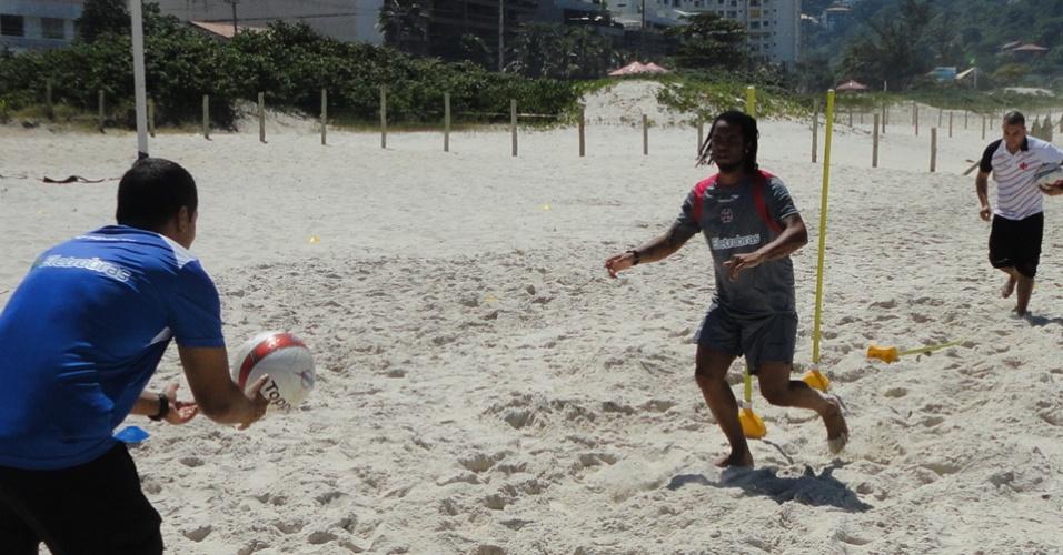 Carlos Alberto treina no Vasco enquanto aguarda definição do futuro com o Vasco (15/03/2012)