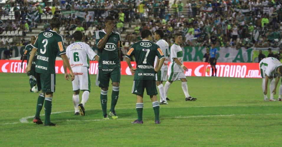 Jogadores do Palmeiras no jogo contra o Coruripe