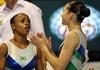 Daiane dos Santos e Laís Souza em ação pela seleção brasileira de ginástica