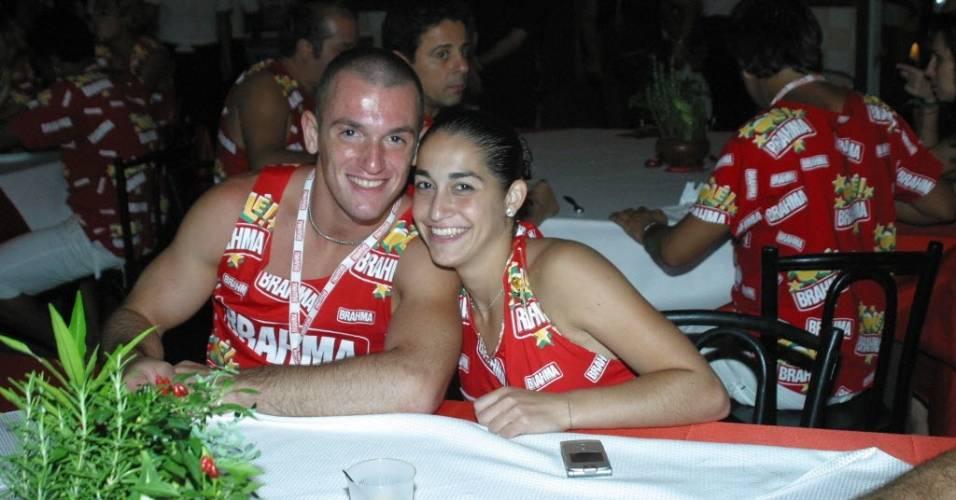 Diego e Daniele Hypolito no camarote da Brahma na Marquês de Sapucaí em 2006