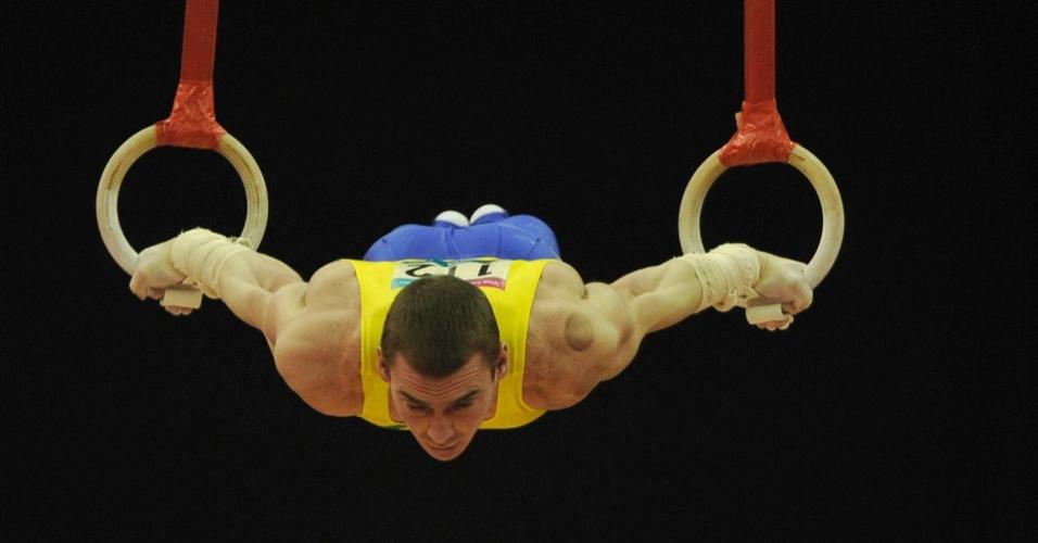 Arthur Zanetti participa da prova de argolas durante o Pré-Olímpico de ginástica em Londres