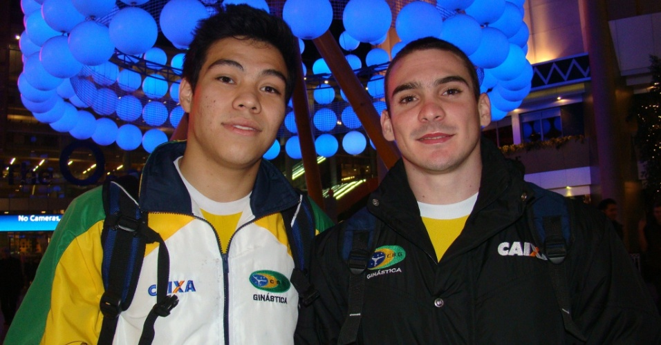 Sérgio Sasaki e Arthur Zanetti após a participação no Pré-Olímpico de Londres