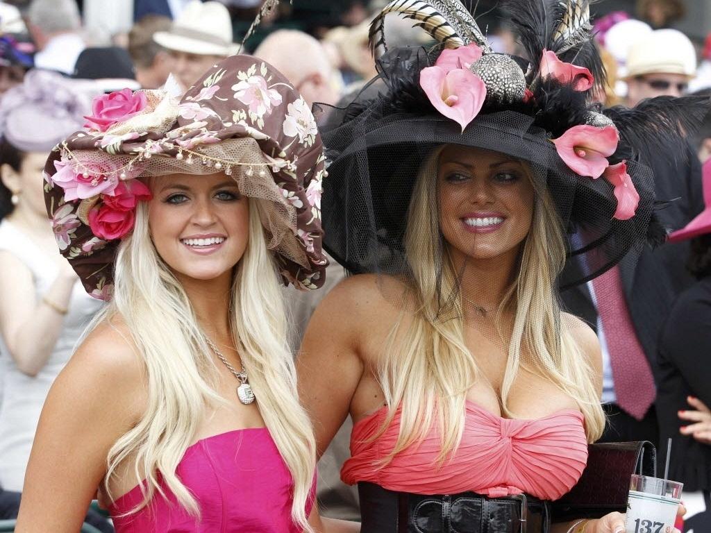 Belas fãs vão ao Kentucky Derby, tradicional corrida de cavalos nos Estados Unidos