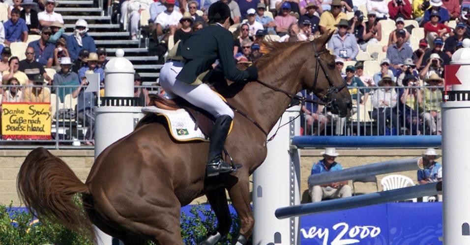 Montado por Rodrigo Pessoa, Baloubet du Rouet refuga na final da prova de saltos dos Jogos Olímpicos de Sydney-2000 (01/10/2000)