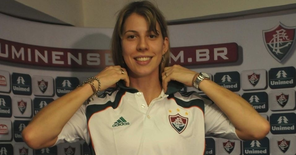 Natália Falavigna é apresentada no Fluminense