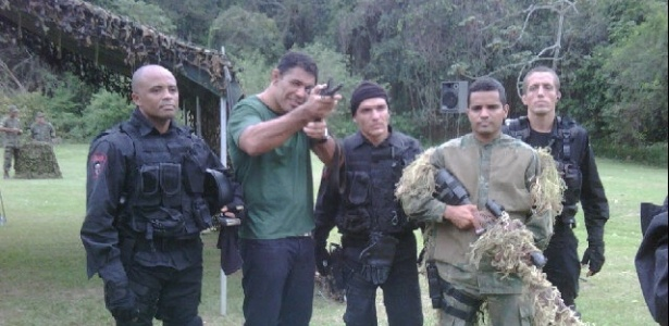 Minotauro visita corpo de Fuzileiros Navais do Brasil