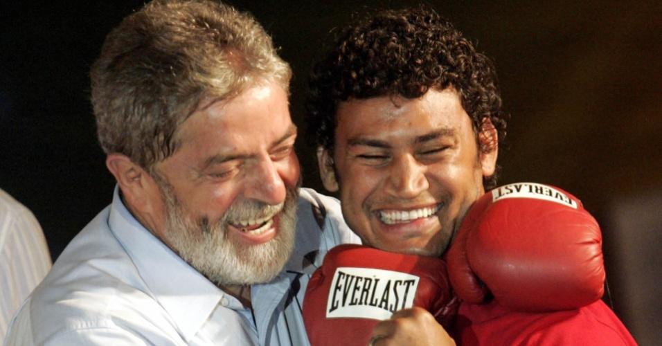 Popó participa de campanha em apoio à reeleição de Lula em 2006