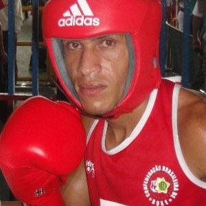 Robenilson Vieira de Jesus disputará a categoria 56 kg no Pan-2011