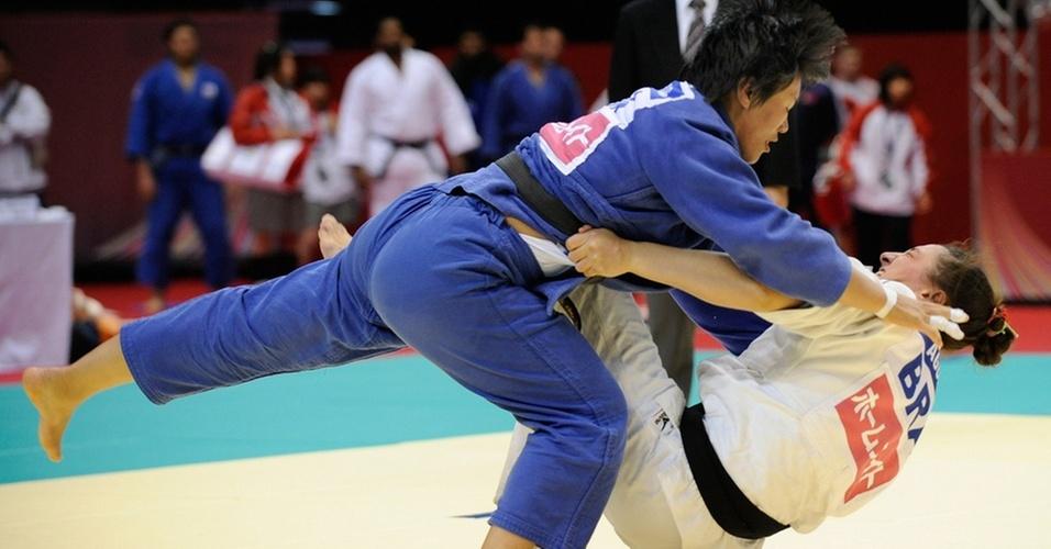 Mayra Aguiar em ação no Grand Slam de Tóquio, na qual perdeu nas quartas de final