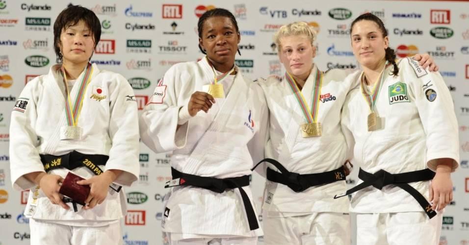 Akari Ogata (JAP), Audrey Tcheumeo (FRA), Kayla Harrison (EUA) e Mayra Aguiar (BRA) no pódio da categoria até 78 kg no Mundial de judô. A brasileira ficou com a medalha de bronze (26/08/2011)