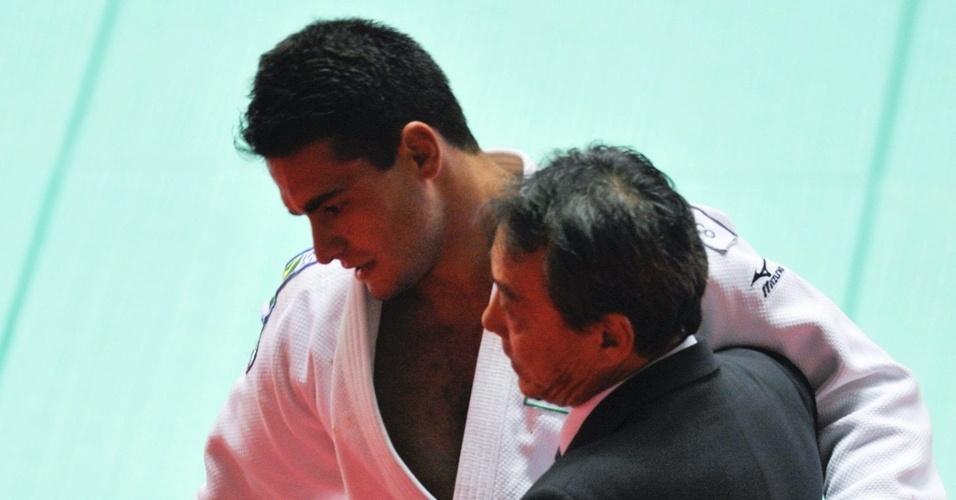 Leandro Guilheiro após derrota para Jae-Bum Kim no Mundial de Tóquio (12/09/2011)