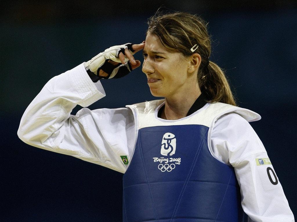 natália Falavigna celebra coqnuista do bronze nos Jogos Olímpicos de Pequim