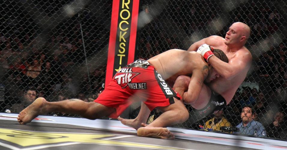 Pezão derruba Fedor na vitória pelo Strikeforce
