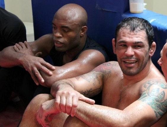 Minotauro e Anderson Silva dividem treino para luta no UFC