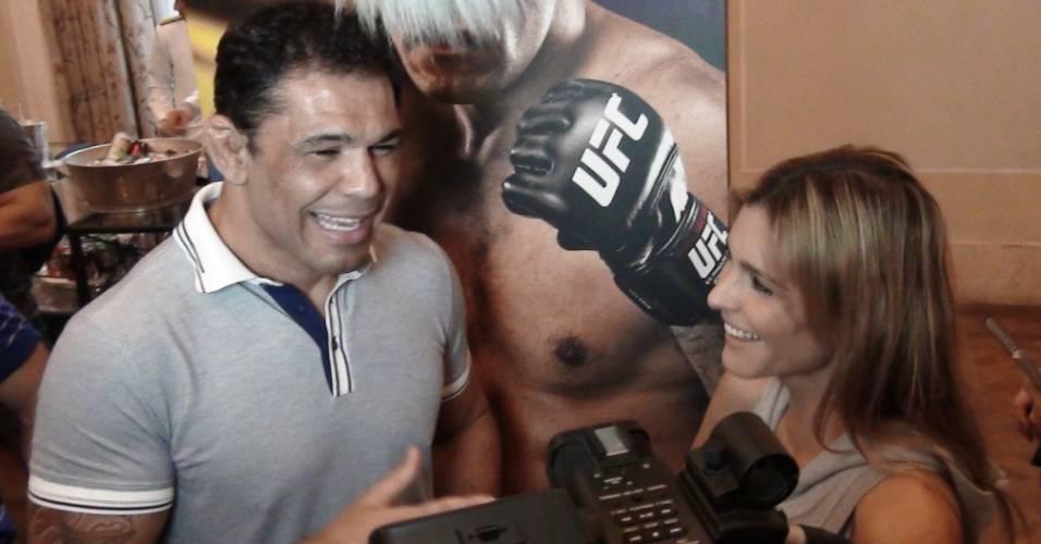 Minotauro é entrevistado por Fernanda Lima para o programa Amor e Sexo (25/08/11)