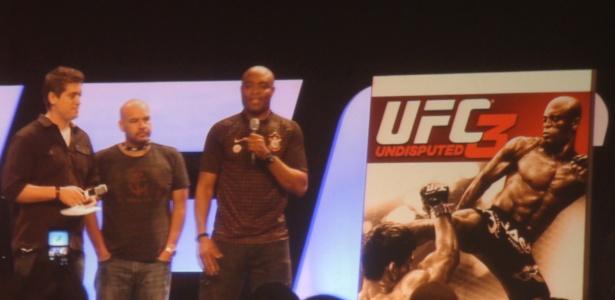 Anderson Silva é apresentado como capa do game do UFC, durante a Fan Expo