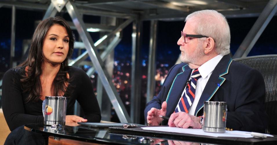 Kyra Gracie concede entrevista a Jô Soares, na TV Globo