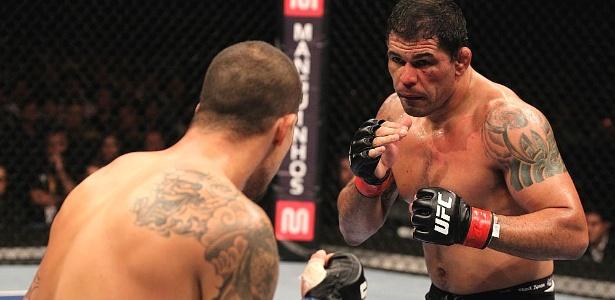 Recuperado de fratura no braço, Minotauro voltará a lutar uma edição do UFC Rio