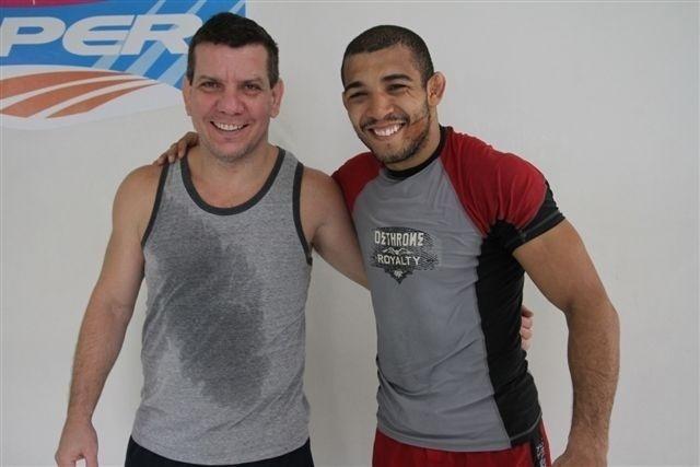 Técnico Dedé Pederneiras e José Aldo em treino para o UFC Rio