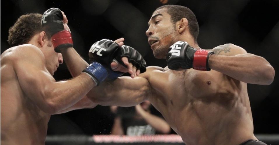 José Aldo vence Chad Mendes no UFC 142, no Rio