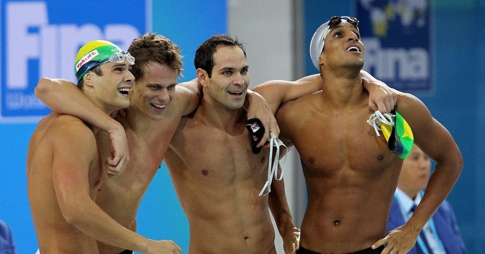 Cesar Cielo, Nicholas Santos, Marcelo Chierighini e Nicolas Oliveira conseguiram a medalha de bronze para o Brasil