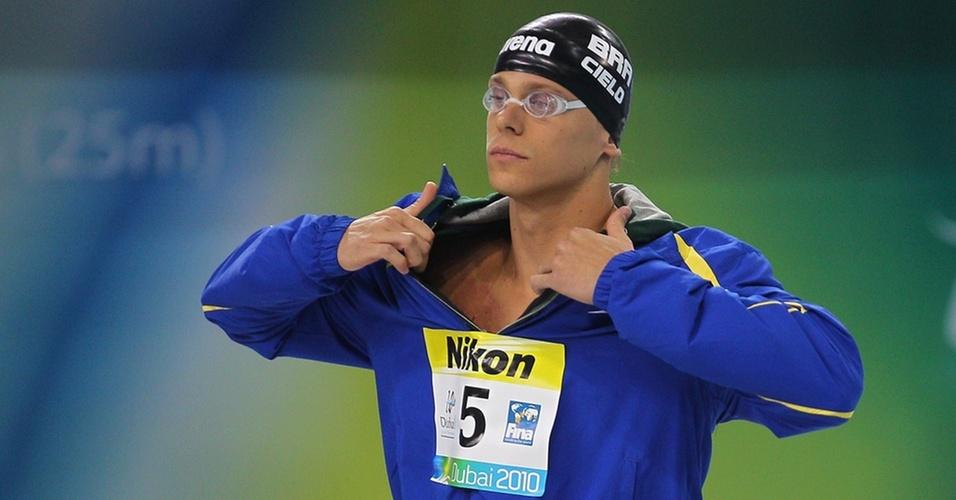 Cesar Cielo se concentra no Mundial de piscina curta em Dubai