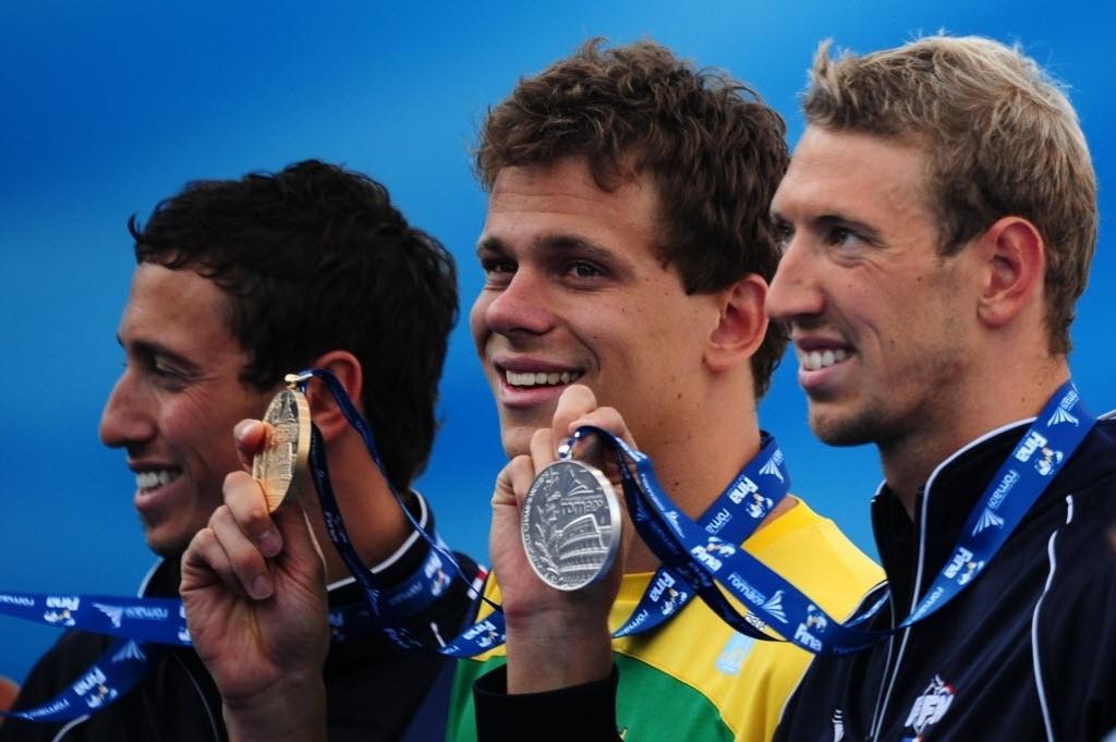 Fred Bousquet, Cesar Cielo e Alain Bernard no pódio dos 100 m no Mundial de Roma