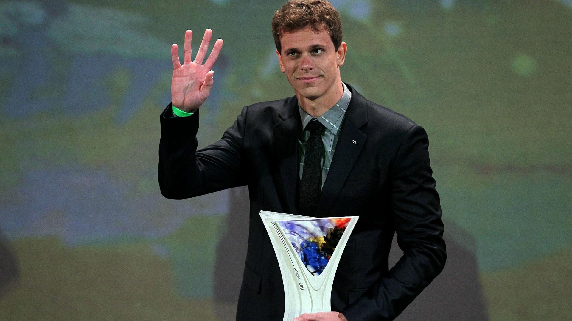 Cesar Cielo recebe o Prêmio Brasil Olímpico em 2011