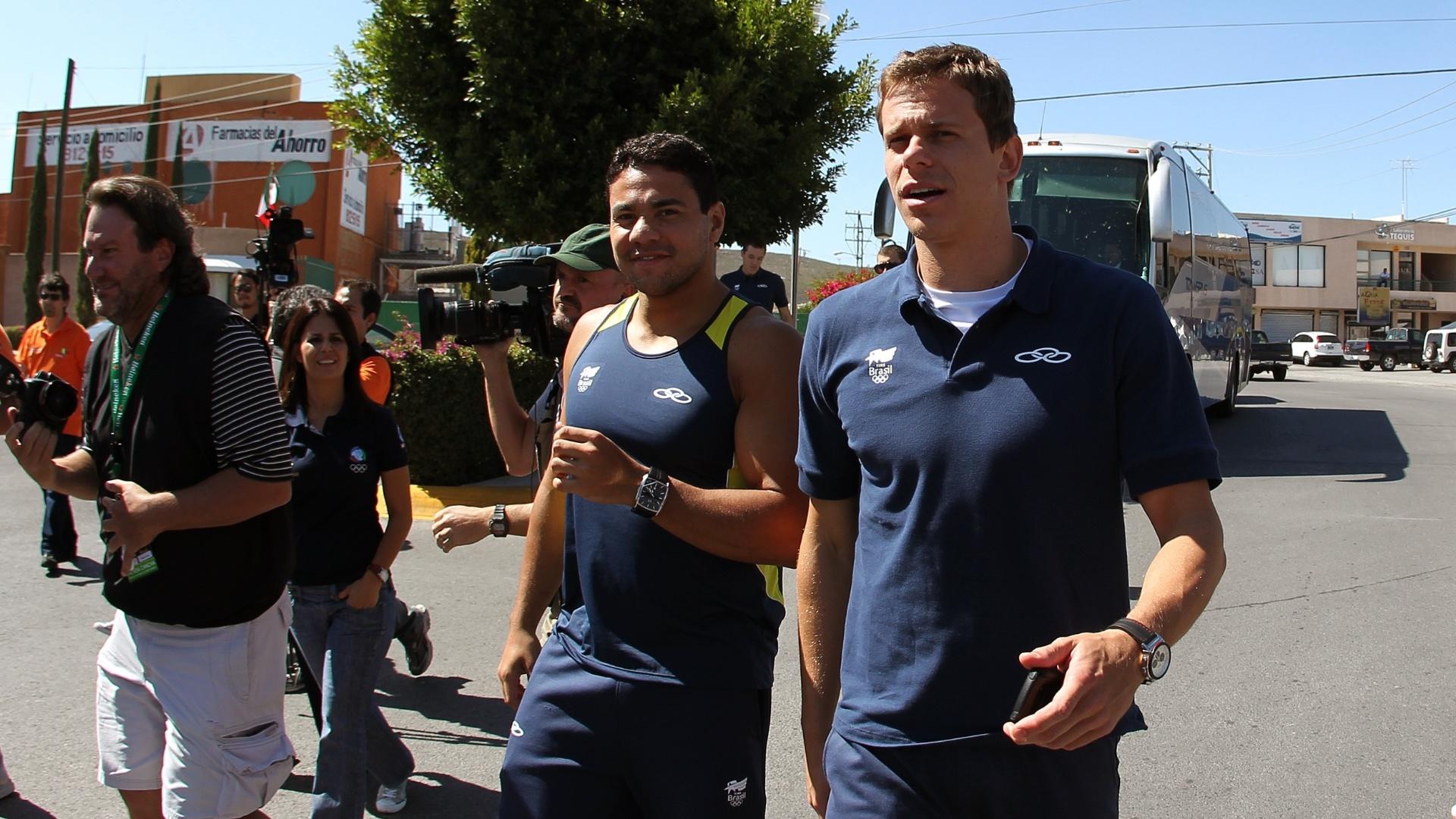 Cesar Cielo e Felipe França desembarcam em San Luis de Potosi, no México, antes do Pan-2011 (05/10/2011)