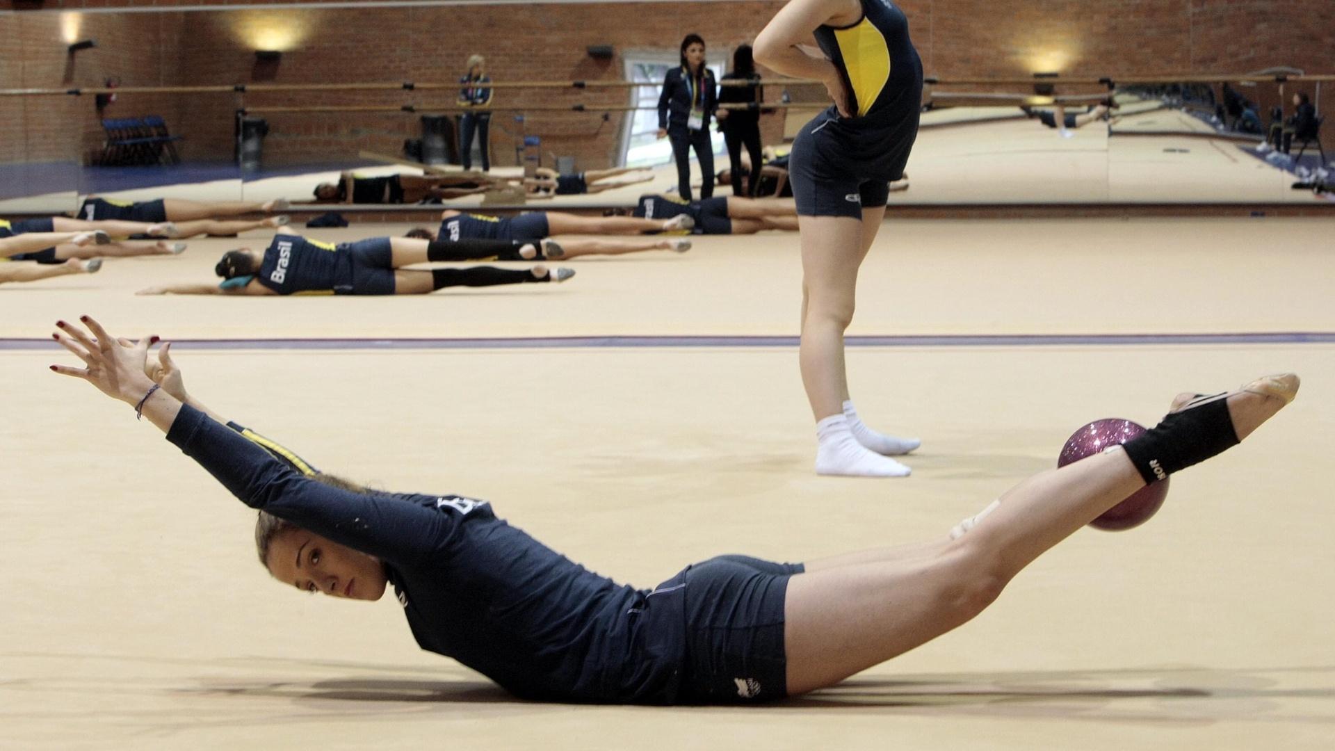 Seleção de ginástica rítmica do Brasil treina para o Pan de Guadalajara, que tem início no dia 14 de outubro