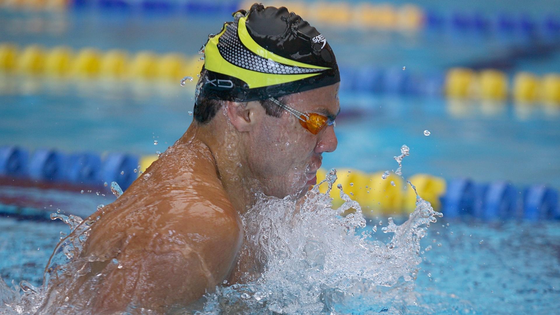 Felipe França durante treino em piscina do Centro Esportivo La Loma, em San Luis Potosi (México)