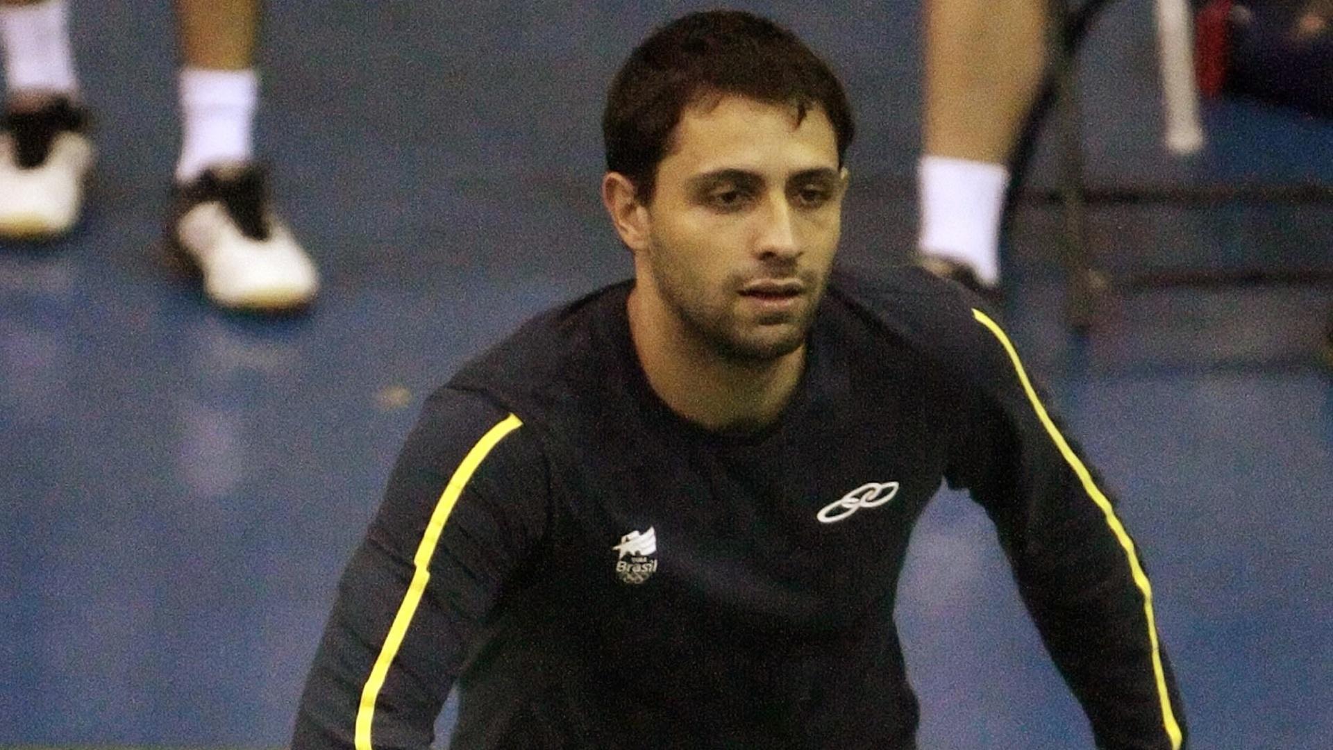 Hugo Arthuso treina com a equipe brasileira de badminton, na Unidad Deportiva Revolución, em Guadalajara