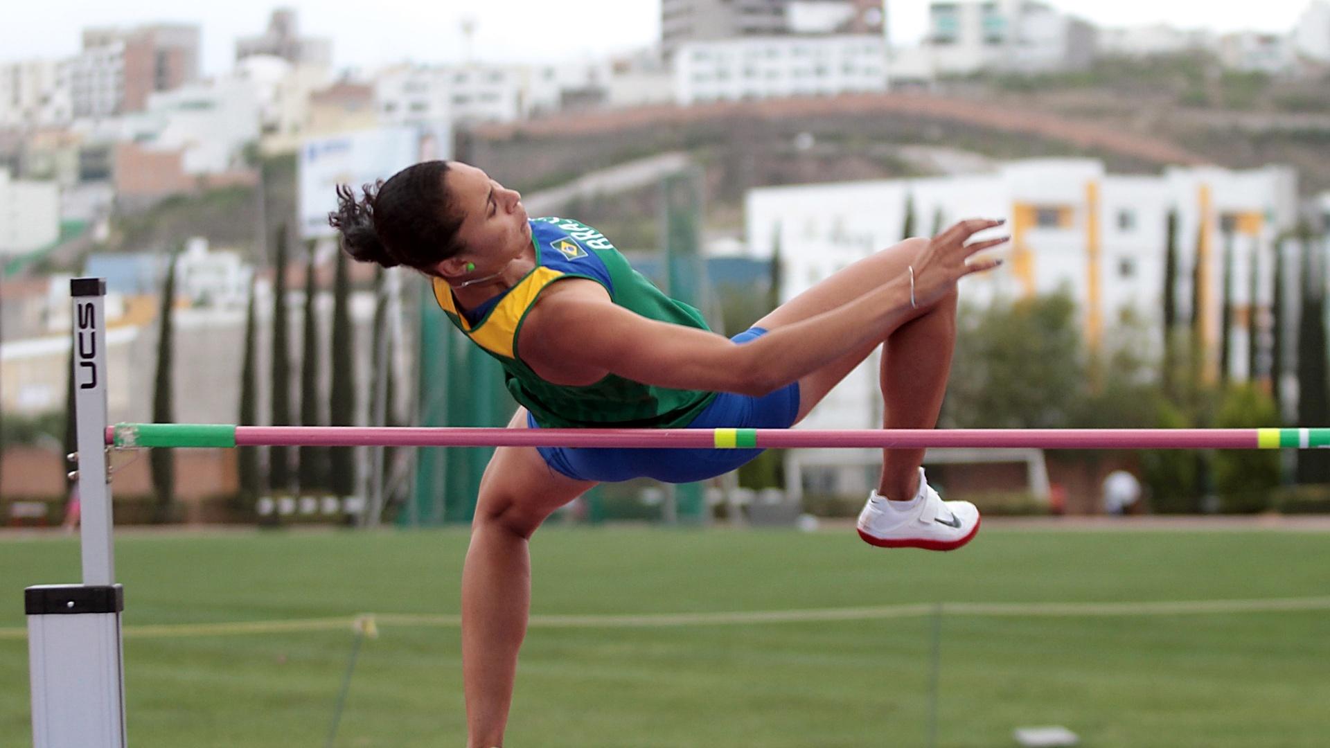 Valdiléia Martins faz aclimatação no Centro Esportivo La Loma, no México