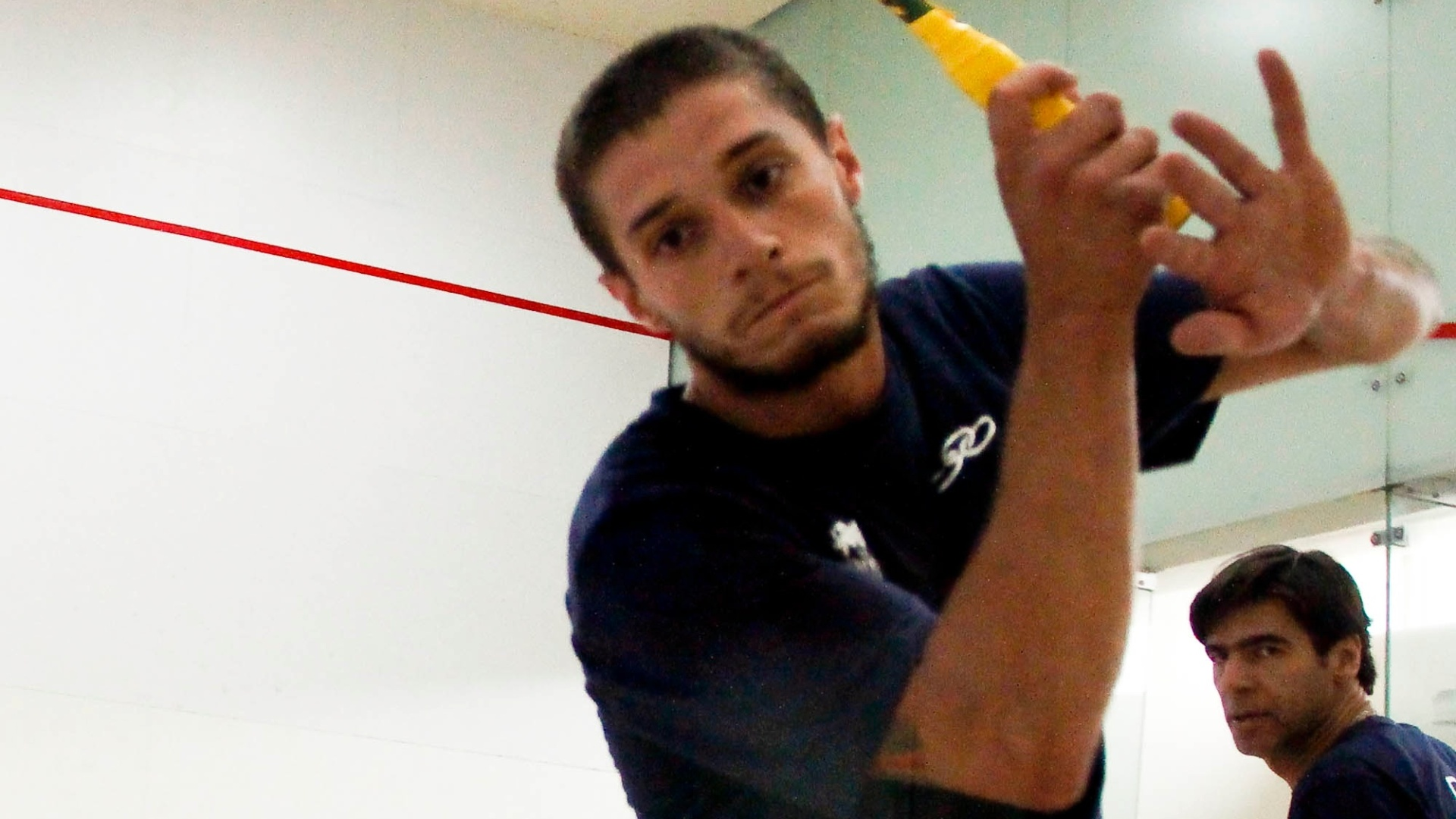 Vinicius Costa de Lima, atleta do squash, treina para o Pan
