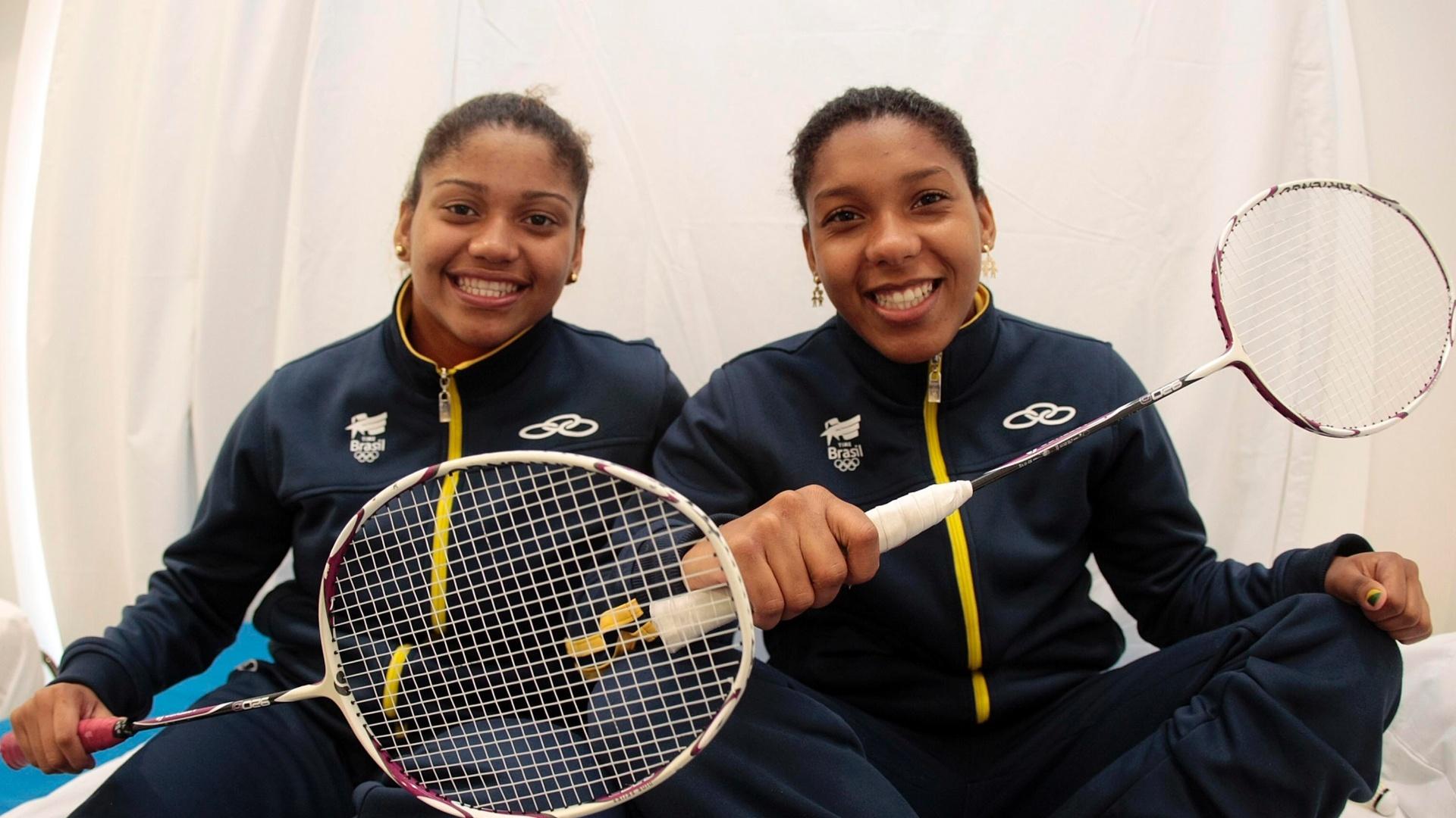 Com a irmã Lohaynny Oliveira (esq), Luana Vicente integra equipe brasileira do badminton no Pan-2011