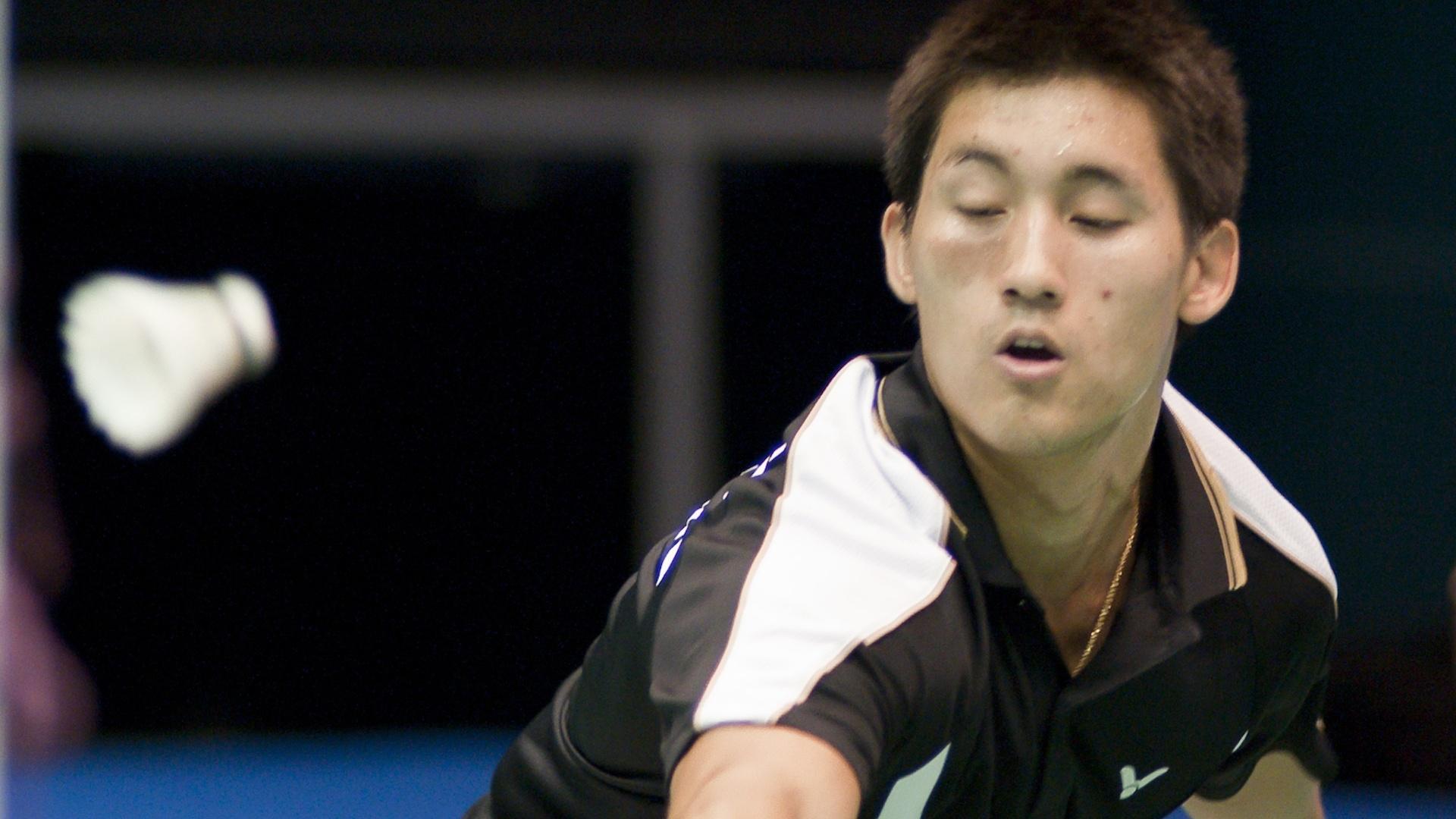 Alex Tjong participa de jogo de badminton contra o Venezuelano Leonardo Uzcategu no Pan (15/10/2011)